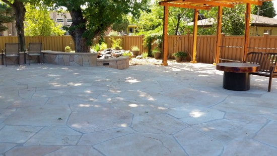 Water on the Rocks is more than just ponds.  Fundamentally we love anything that utilizes stone and natural materials to create the landscape of your dreams.  An example of our hard set flagstone work.